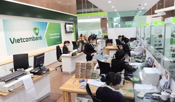"""Giảm lãi suất tiền gửi, Vietcombank vẫn thu hút lượng khách hàng """"khủng"""""""